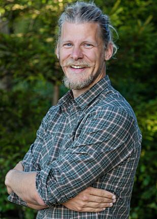 ALTERNATIV LIVSSTIL: Det er ikke bare Rostøls status som utfordrer som gjør at han skiller seg ut blant «Farmen»-deltakerne. Han er også veganer. Foto: Alex Iversen / TV 2