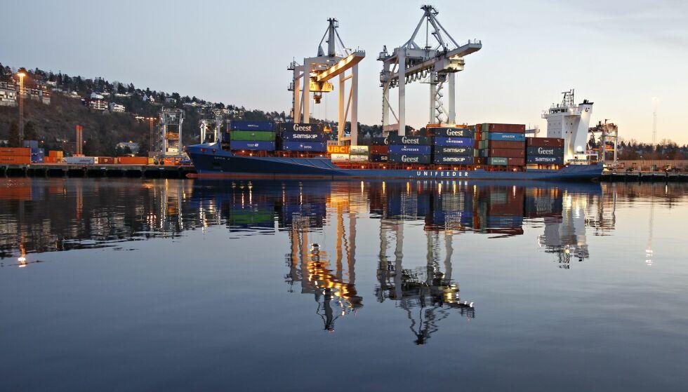 HAVNEGODS. Norske havner bruker flere hundretusen i året på Kina-turer som skal få flere leverandører til å sende varer fra Kina via hav-veien. Her fra Oslo Havn. FOTO: Ørn E. Borgen / AFTENPOSTEN