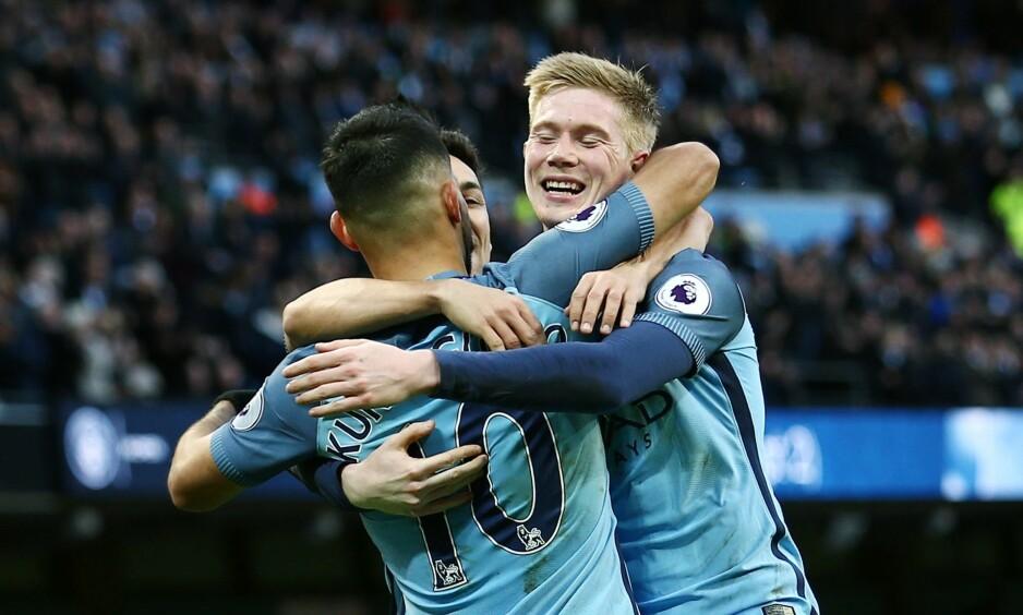 DOBBEL: Manchester City kom under borte mot Burnley, men stjernespissen Sergio Agüero snudde kampen for gjestene. City vant 2-1 på Turf Moor.  Foto:Matt West/BPI/REX/Shutterstock/NTB Scanpix