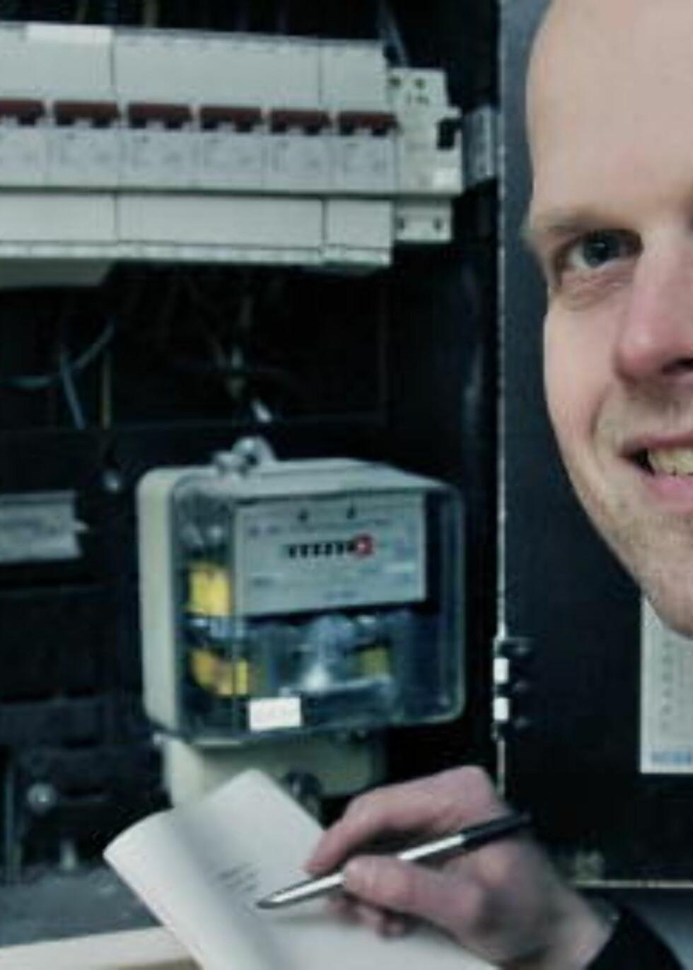 SMARTE SPARETIPS:  Dagbladets økonomiekspert Hallgeir Kvadsheim gir deg råd om strømsparing.  Foto: Jacques Hvistendahl