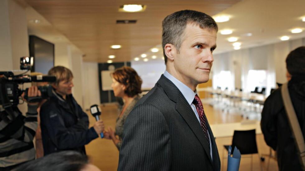 GIR SEG IKKE: Helge Lund har ingen planer om å gi seg som konsernsjef, selv om samtlige fagforeninger i Statoil mener han er for lite lydhør. Foto: Jon Terje Hellgren Hansen / Dagbladet