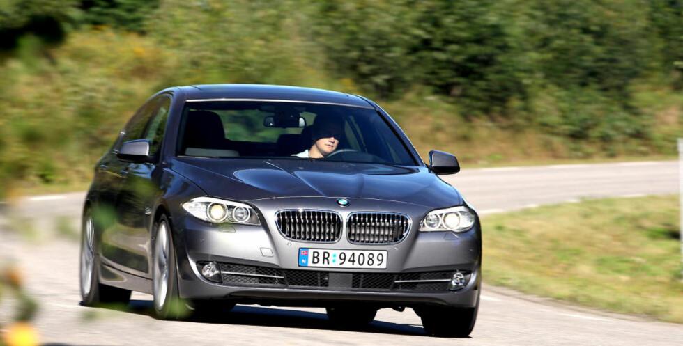IMPONERENDE: Kjøreglad og god komfort. BMW 5-serie koster, men imponerer. Foto: VI MENN BIL