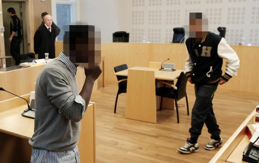 TO ÅRS FENGSEL: De to yngste ranerne, den hovedtiltalte 15-åringen til venstre og 16-åringen, ble dømt til to års fengsel hver.  Foto: ERLING HÆGELAND/Dagbladet