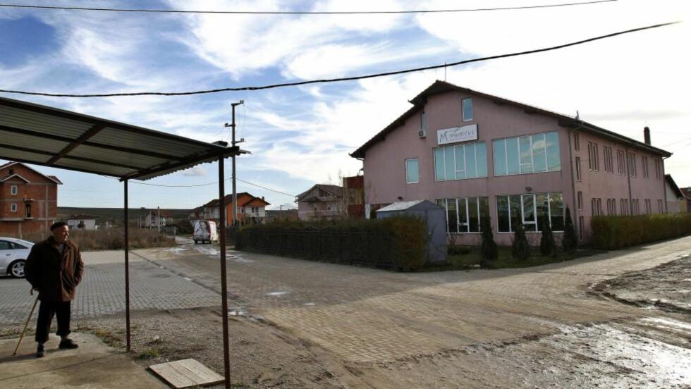 ULOVLIG ORGANHANDEL: Ved denne private klinikken i Kosovos hovedstad Pristina skal minst sju personer ha drevet med ulovlig organhandel. Foto: AP Photo/Visar Kryeziu/Scanpix