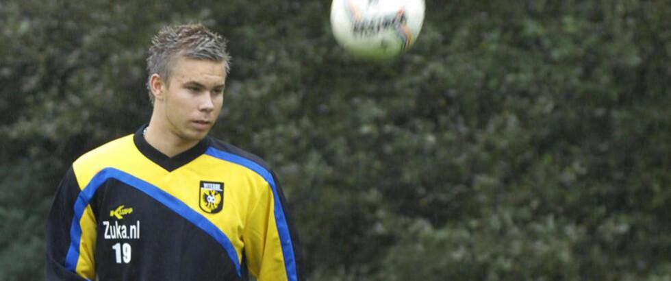 LEVERER: Marcus Pedersen imponerte foran den nye sjefen, og scoret to ganger i Vitesses seier i dag.Foto: Paul Meima | Vitesse