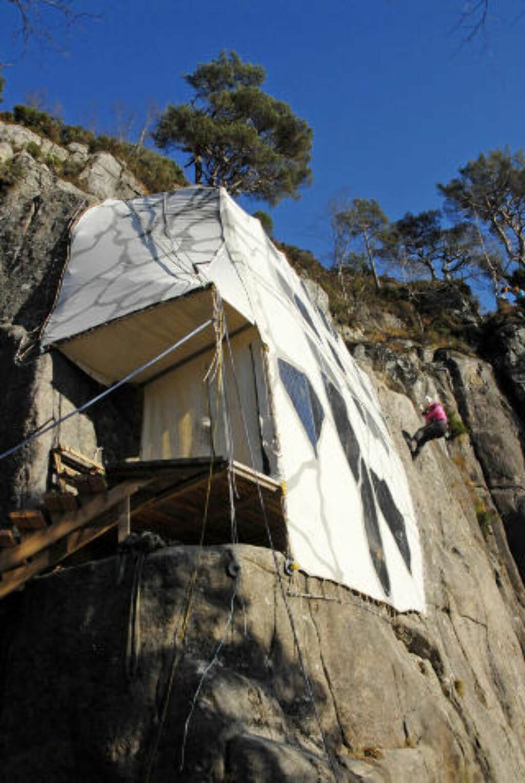 PÅ FJELLHYLLE: Bo som fjellklatrer.  Foto: Preikestolen Fjellstue