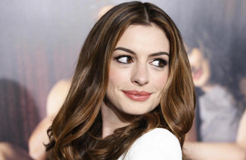 KOMMER TIL NORGE: Skuespiller Anne Hathaway kommer til Norge for å lede Nobelkonserten 11. desember. Foto: Fred Prouser/Reuters/Scanpix