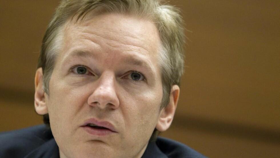 VIL ETTERLYSE: Svensk politi vil etterlyse Wikileaks-gründer Julian Assange mistenkt for blant annet voldtekt.  Foto:AP Photo/Salvatore Di Nolfi, Keystone/Scanpix