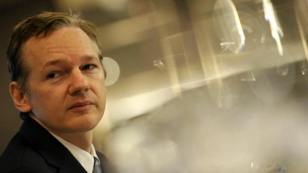 ETTERLYST OVER HELE VERDEN: Wikileaks-gründer Julian Assange er etterlyst over hele verden og befinner seg i Storbritannia. Der sier britisk politi at han vil bli pågrepet og utlevert til svenske myndigheter. Foto: AP Photo/Lennart Preiss/Scanpix