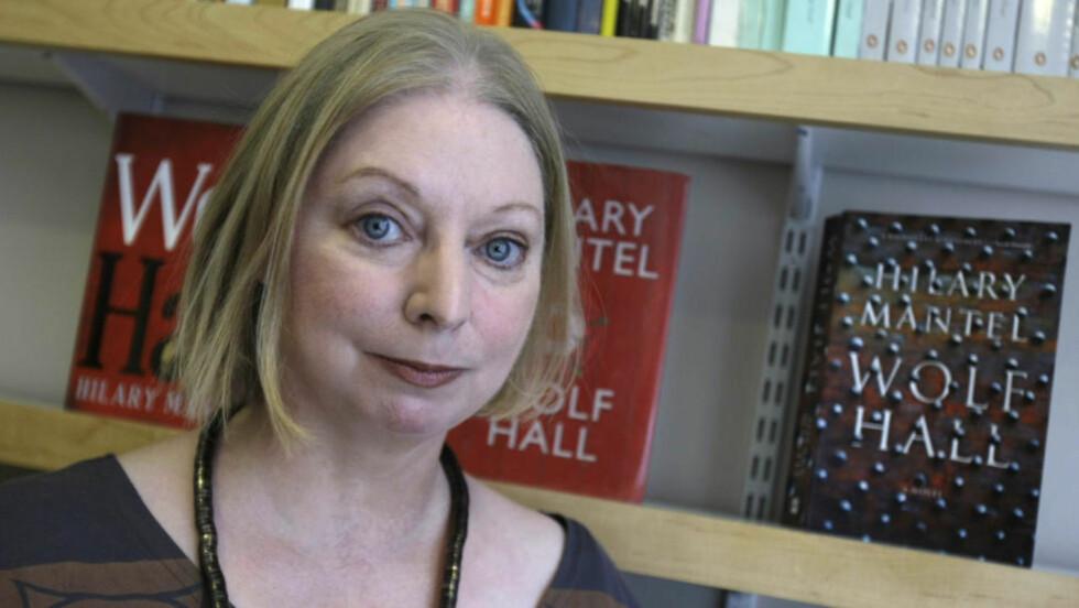 SUKSESSFORFATTER: Hilary Mantel har med «Ulvetid» skrevet den mestselgende Booker-prisvinneren noensinne. Foto: AP /Alastair Grant
