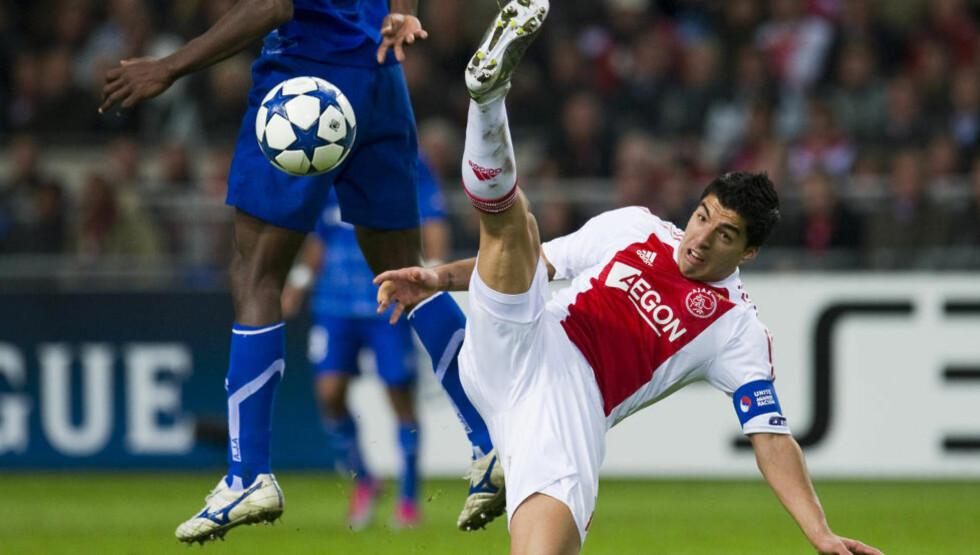 KLAR I KVELD: Ajax har utestengt Luis Suarez fra de to neste ligakampene for bittet mot en PSV-spiller i helga, men alt tyder på at han spiller mot Real Madrid i kveld. Foto: Robin van Lonkhuijsen/Reuters, Scanpix