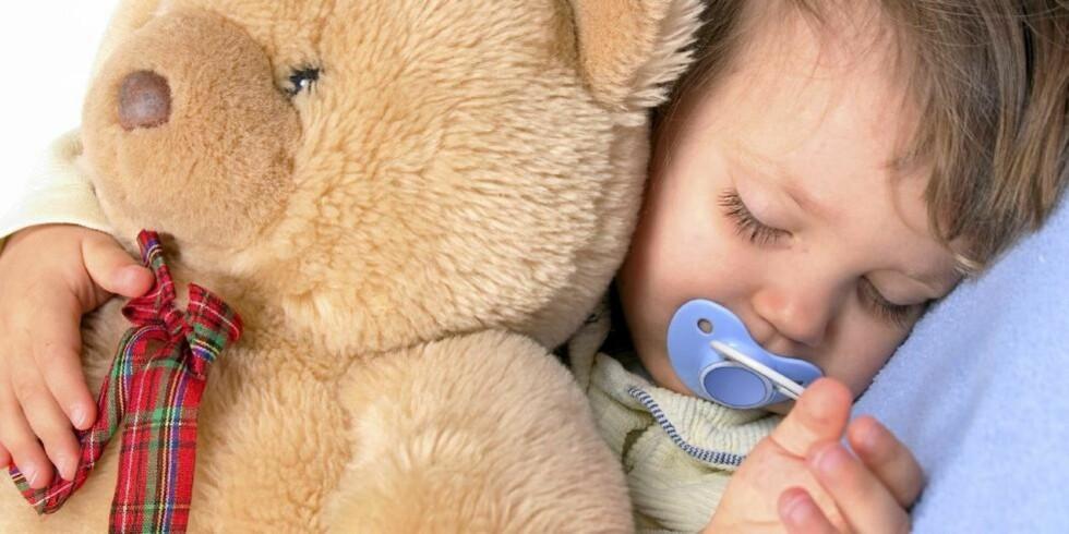 TRYGT: Men snart er det bare bamsen som får bli med i senga. ILLUSTRASJONSFOTO: iStockphoto.com
