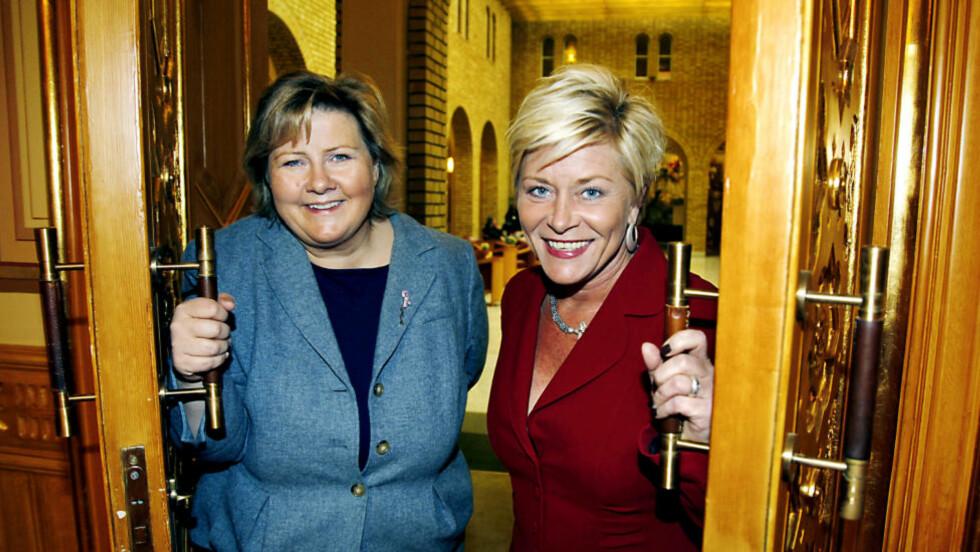 GOD STEMNING: Høyre-leder Erna Solberg og Frp-leder Siv Jensen sier at den rødgrønne fienden har brakt dem tettere sammen. Foto: Jacques Hvistendahl/ Dagbladet.