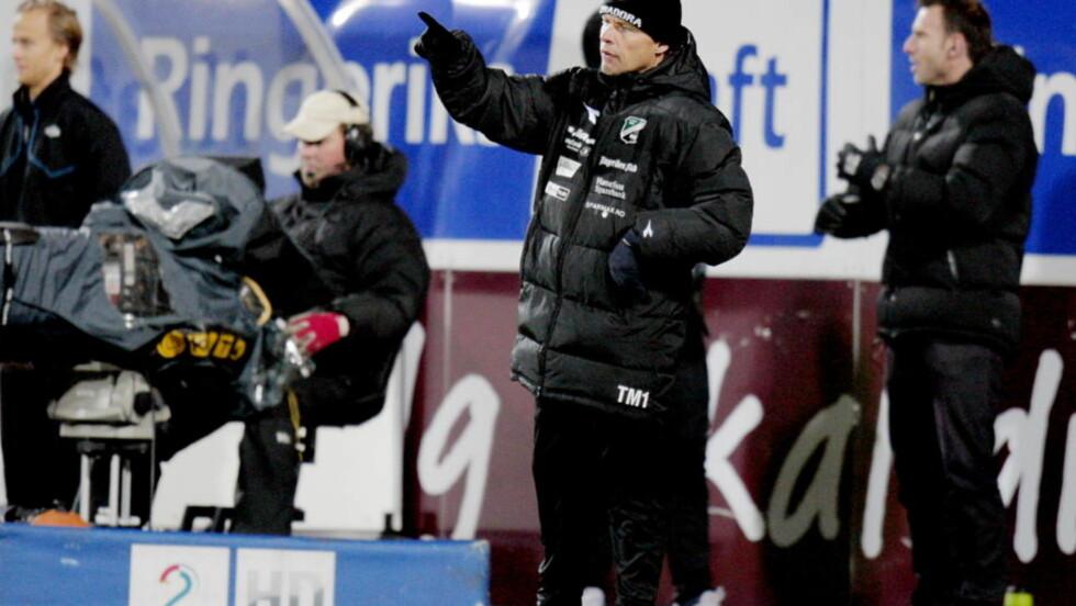 FERDIG I HØNEFOSS: Tom Gulbrandsen kom inn som en vikarløsning i vår, og har nå gjort sitt på AKA Arena. Foto: Stian Lysberg Solum / SCANPIX