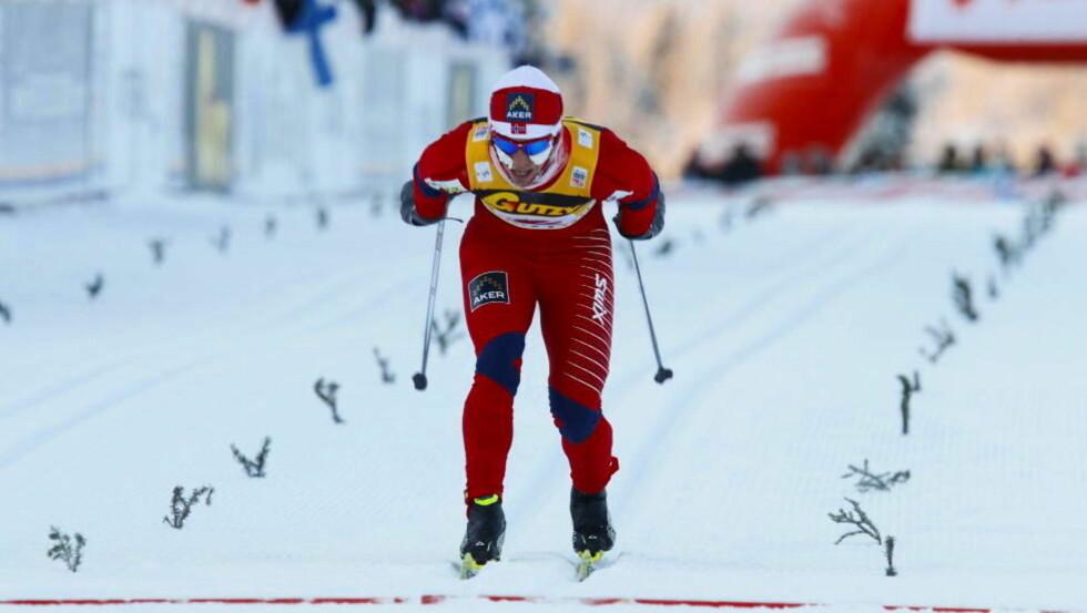 SPURTET INN TIL SEIER: Marit Bjørgen lå bak Justyna Kowalczyk underveis i løpet, men avsluttet sterkt og knep førsteplassen. Foto: Håkon Mosvold Larsen, Scanpix