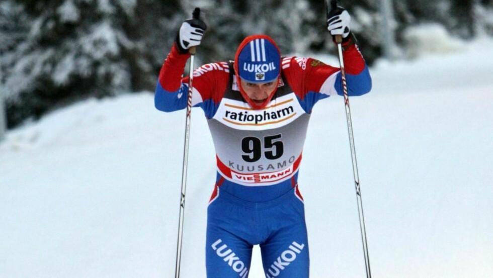 STERKEST:  Alexander Legkov under gårsdagens klassiskløp. I dag sikret han sammenlagtseieren i minitouren i Kuusamo på jaktstarten i fristil. Foto: Pekka Sipola, EPA/Scanpix