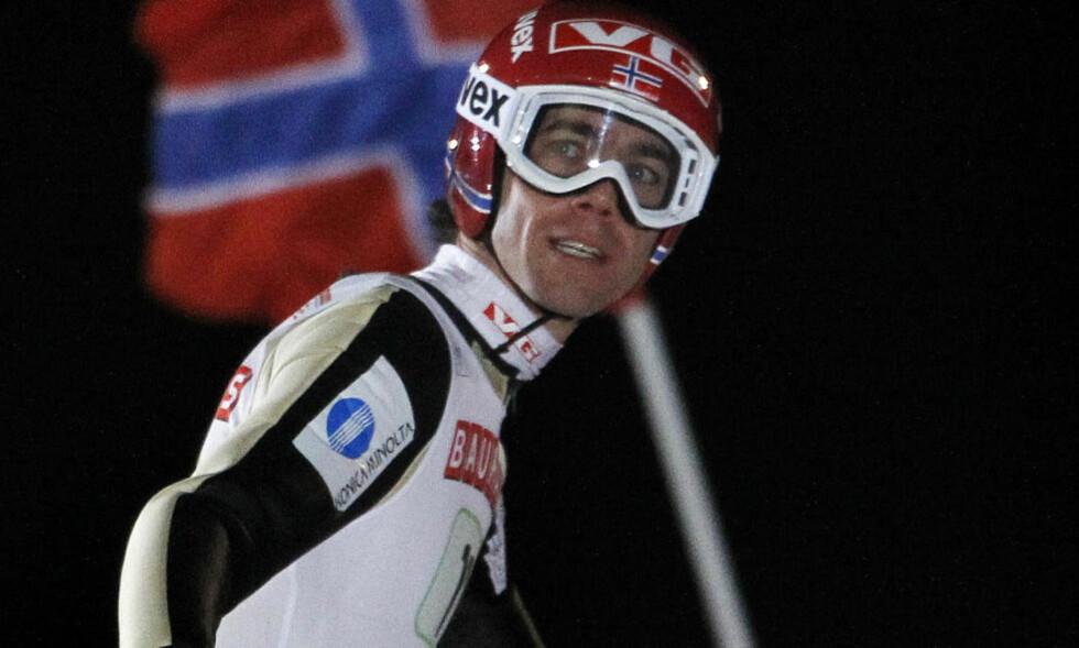 I FORM: Bare Peter Prevc fra Slovenia hoppet lenger enn Anders Bardal under dagens kvalifisering. Foto:  REUTERS/Bob Strong
