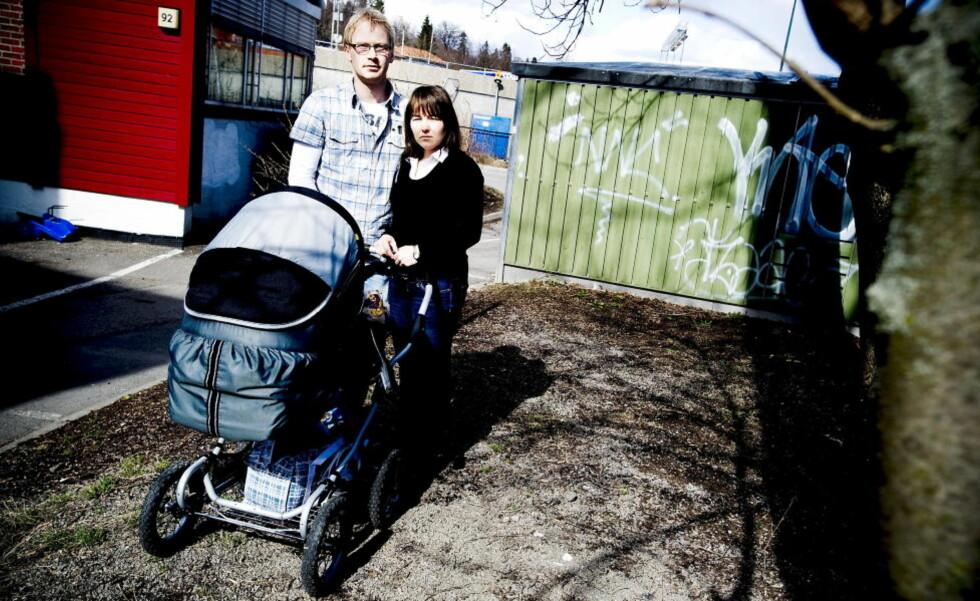 ME-SYK: Anne May Eknes (34) og samboer Ingar Fjeldheim har to små barn. Anne May var sengeliggende under store deler av svangerskapene. Foto: Thomas Rasmus Skaug