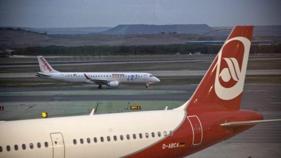 <strong> FULL FART IGJEN:</strong>  Et fly fra Air Europa i gang med å ta av fra Barajas-flyplassen i Madrid. Om lag 600 000 passasjerer ble rammet av kaoset i går. Selv med full drift fra i går ettermiddag kan det fortsatt gå to døgn før alt er i rute igjen.FOTO: LUCA PIERGIOVANNI, EPA/SCANPIX.