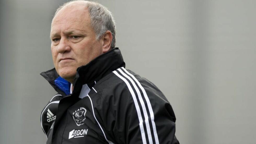 SA OPP: Martin Jol sa overraskende opp jobben i Ajax mandag. Nå linkes han til den ledige managerjobben i Newcastle.Foto: SCANPIX/EPA/MARCO DE SWART
