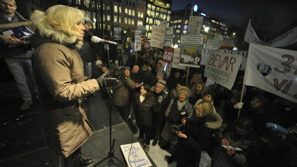 Oslo PROTEST: Sterkt engasjement utenfor Stortinget i går mot helseregionenes stripping av lokalsykehusene. Foto: John T. Pedersen