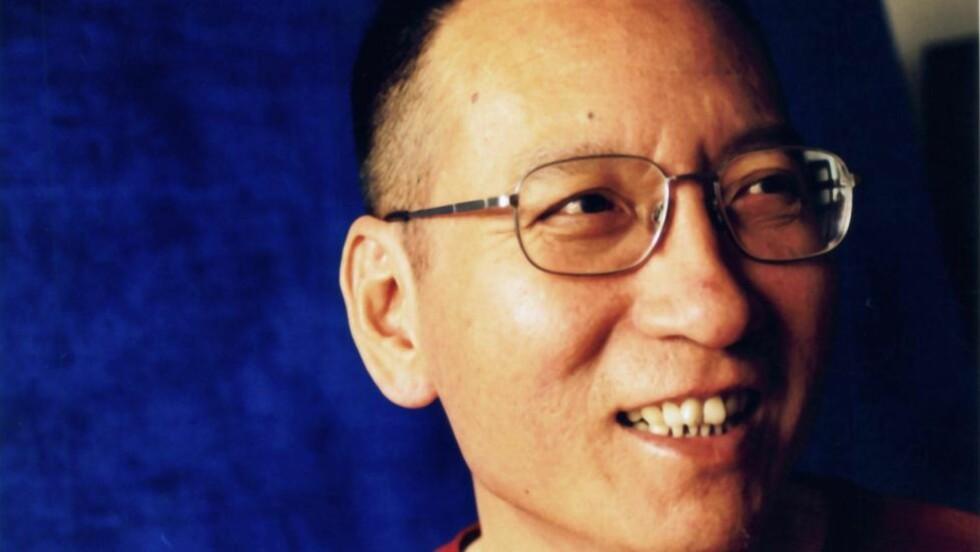 EN KRIMINELL: Årets fredsprisvinner Liu Xiaobo (54) stemples som en lovbryter av kinesiske myndigheter, som har dømt han til 11 års fengsel. Liu sitter fengslet i Jinzhou, nordøst i Kina, og får ikke være til stede under seremonien i Oslo rådhus fredag. Foto: EPA/Scanpix