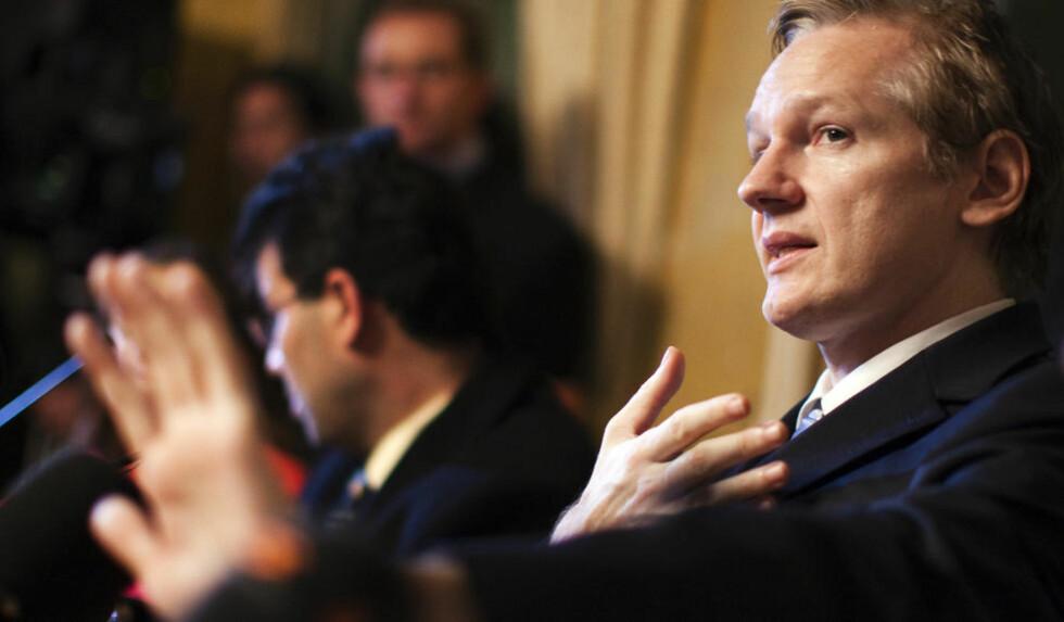 PÅGREPET I DAG:  Julian Assange ble pågrepet i London i dag. Han skal ha nektet å avgi fingeravtrykk og DNA til politiet. Foto: REUTERS/Valentin Flauraud
