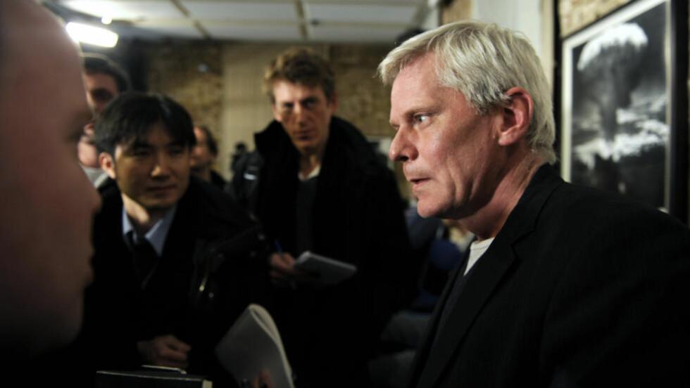 WIKILEAKS NYE ANSIKT: Wikileaks-talsmann Kristinn Hrafnsson (t.h) har de siste månedene blitt en stadig mer synlig talsmann. Foto: Reuters/Paul Hackett/Scanpix