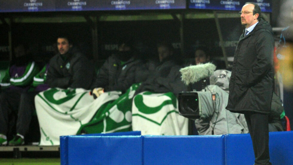 SMELL MOT INTER: Rafael Benítez er under press i Inter etter en sesong som ikke lever opp til forventningene. Her i Bremen der laget tapte 0-3 tirsdag. Foto: AFP/ JOHANNES EISELE