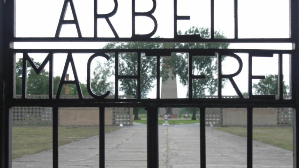 HVA SKJEDDE? Ble de tre kommunistene Kristian Mugaas, Carsten Aasebøe og Kåre Hagen forrådt av sine norske medfanger her i Sachsenhausen?  Foto: Asbjørn Svarstad