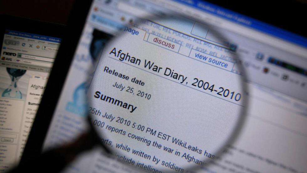 UNDER LUPEN: Tusenvis av dokumenter er lekket på WikiLeaks' nettside, som disse med tittelen Afghan War Diary 2004-2010.Foto: AFP/Scanpix