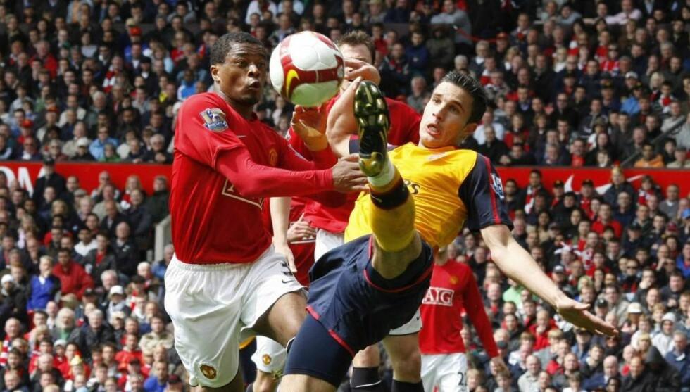 I KJEFTEN: Patrice Evra er lite imponert over Robin van Persie og Arsenal. Det legger han heller ikke skjul på.Foto: SCANPIX/REUTERS/Phil Noble