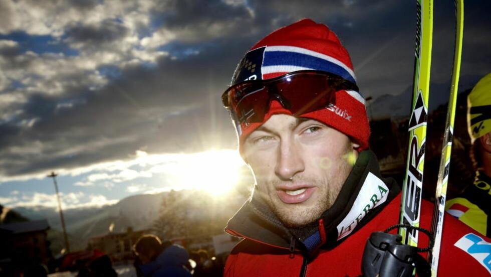 VIDERE: Anders Gløersen var nest raskest i prologen på mennenes sprint søndag. Petter Northug (bildet) tok seg også greit videre. Seks nordmenn er klare for kvartfinalene.  Foto: Kyrre Lien / Scanpix