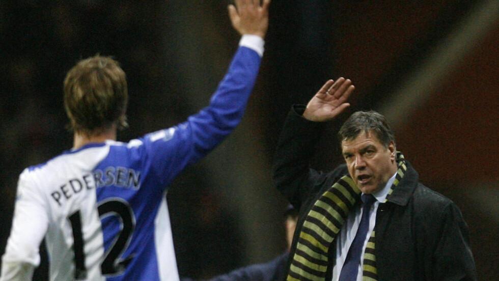 VINKER FARVEL: Morten Gamst Pedersen er svært overrasket over at Sam Allardyce nå er ferdig som manager i Blackburn.Foto: SCANPIX/AP/Paul Thomas