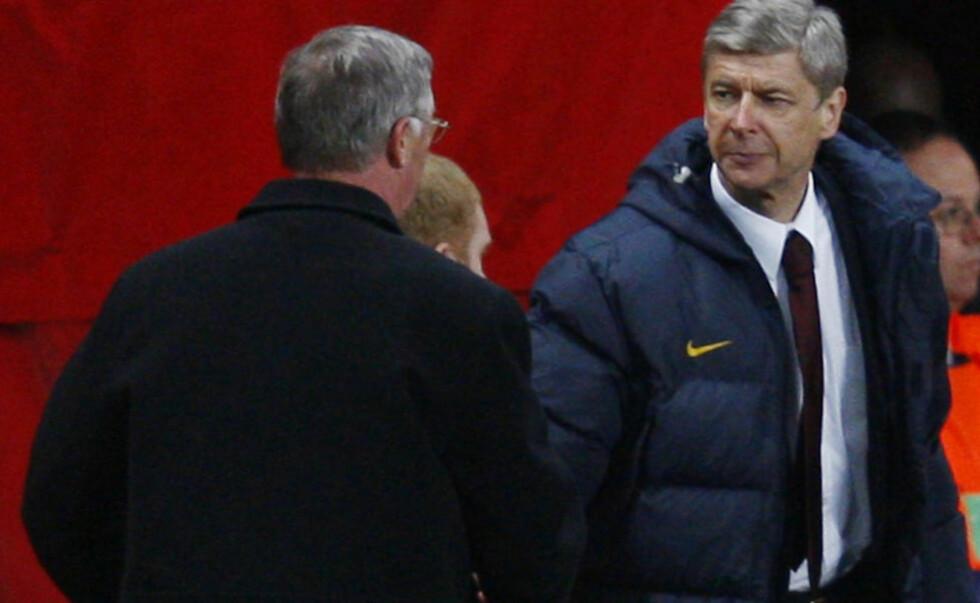 MENER KRITIKKEN ER GRUNNLØS: Både Arsene Wenger og Jack Wilshere har gått hardt ut mot spilleforholdene på Old Trafford. Sir Alex Ferguson mener det bare er en dårlig avledningsmanøver. Foto: REUTERS/Eddie Keogh