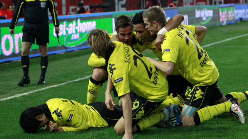 LEDER SERIEN MED 11 POENG: Borussia Dortmund stormer mot ligagull, og setter ny tysk poengrekord med seier borte mot Eintracht Frankfurt lørdag, Foto: REUTERS/Marcelo del Pozo