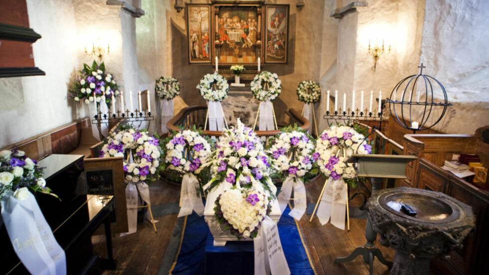 TOK FARVEL:  Ellen Ugland begraves i Fjære kirke i Grimstad i dag. Foto: Sondre Holvik