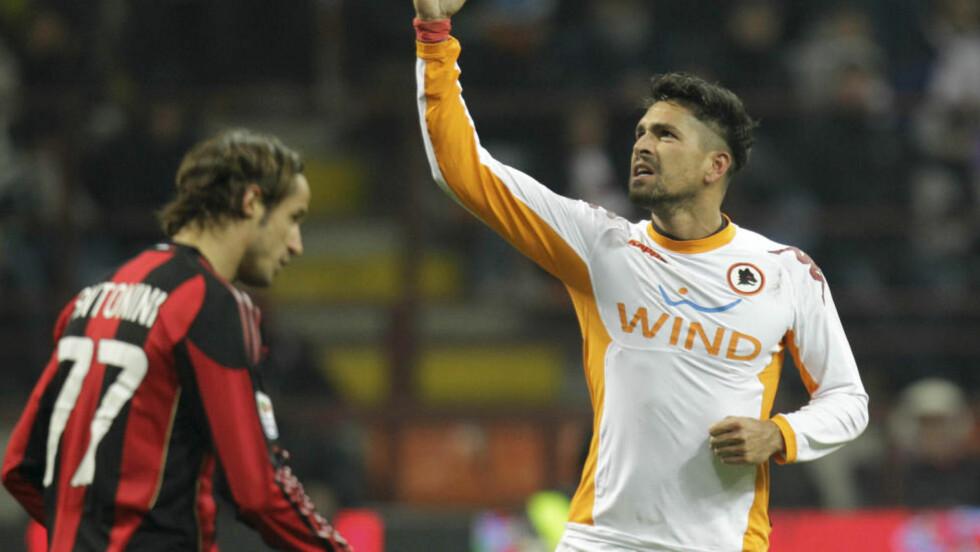 MATCHVINNER: Marco Borriello er på lån i Roma fra nettopp AC Milan. I kveld senket han egne lagkamerater. Foto: AP Photo/Luca Bruno