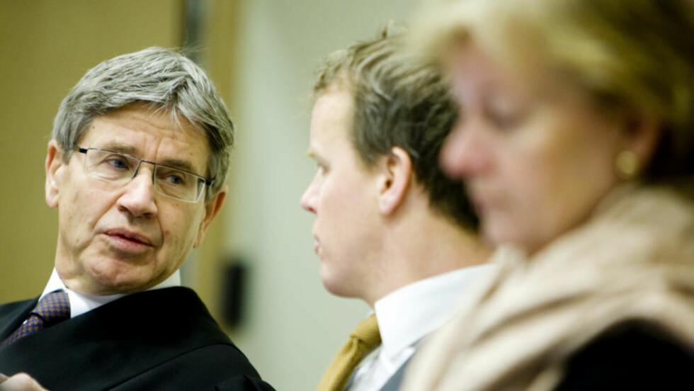 TAUS: Advokat Erik Keiserud (t.v.) ønsker ikke å kommentere beskyldningene som rettes mot hans klient. Dette bildet er tatt i en annen anledning. Foto: Håkon Mosvold Larsen / SCANPIX