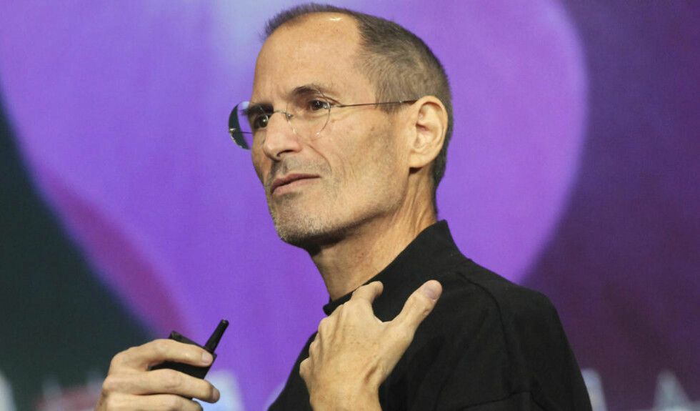 STENGER: Steve Jobs og Apple stikker nå kjepper i hjula for Wikileaks, og stenger en applikasjone som gir tilgang til nettstedet og dets twitter-feed. FOto: Scanpix.