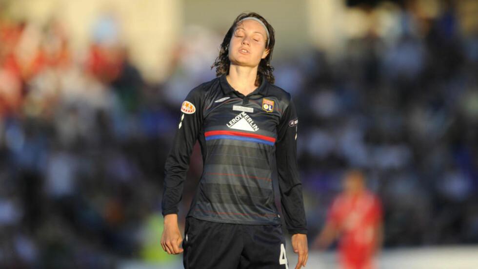 UVISS FREMTID: Ingvild Stensland har ikke hørt noe fra Lyon om ny kontrakt. Fotballframtiden til 29-åringen er uviss.  Foto: AFP PHOTO/ PIERRE-PHILIPPE MARCOU