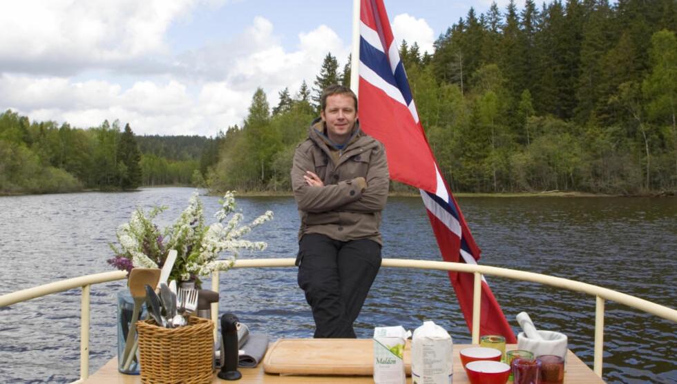 <strong>BLIR TV-KOKK:</strong> Andreas Viestad, kjent for sine kokebøker og faste spalte i Dagbladet Magasinet, er en inspirerende kokk og en lidenskapelig historieforteller som reiser til spektakulære destinasjoner på jakt etter de aller beste råvårene. Foto: TV2