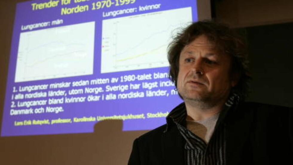 <strong>VIL AVLIVE MYTENE:</strong> Forskningsleder Karl Erik Lund ved SIRUS mener det eksisterer mange feiloppfatninger om røykeslutt. Foto: Tom E. Østhuus/Dagbladet.