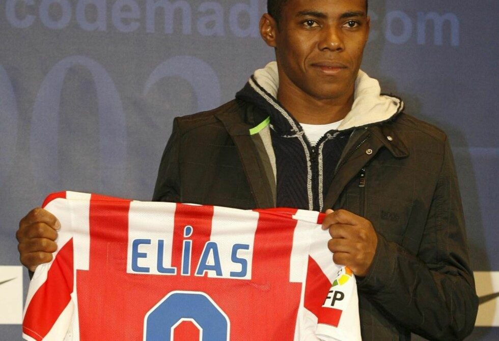 KLAR FOR SPANSK FOTBALL: Brasilianeren Elías skrev i dag under for Atlético Madrid.Foto: SCANPIX/EPA/V. LERENA