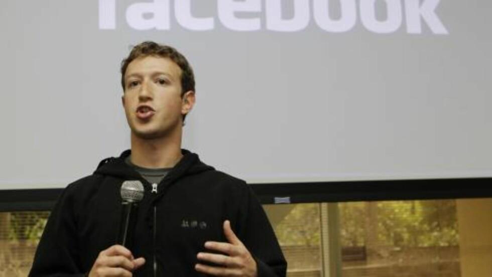NEKTER FOR Å HA STJÅLET IDEEN: Facebook-sjef Mark Zuckerberg nekter for å ha stjålet ideen om Facebbok. Foto:  AP Photo/Marcio J. Sanchez/Scanpix