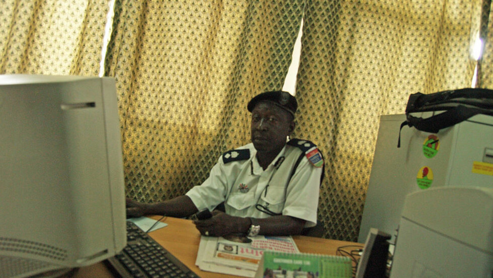 LEDER ETTERFORSKNINGEN: Suleyman Secka leder etterforskningen i Gambia mot nordmannen. Foto: Torgeir P. Krokfjord