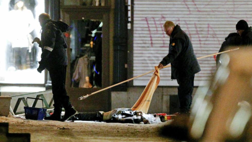 DØDE: selvmordsbomberen var den eneste som døde da bomben gikk av.   AFP PHOTO / SCANPIX-SWEDEN / FREDRIK PERSSON