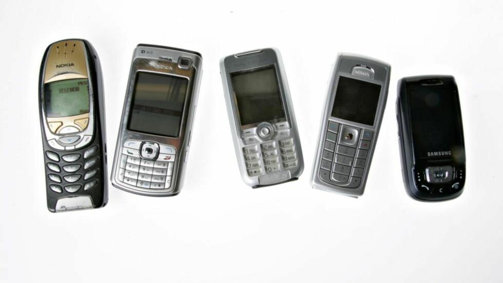 KAN DREPES MED EN SMS: Tyske forskere hevder at såkalte vanlige mobiltelefoner lett kan slås ut av en sms. Foto: Hans A. Vedlog/Dagbladet