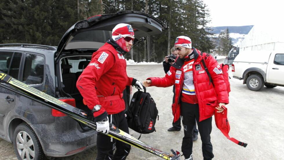 HEKTET AV:  Petter Northug jr., (Strindheim IL)(tv) og Tord Asle Gjerdalen, (Fossum IF) på hviledagen under Tour de Ski i Dobbiaco tirsdag. Foto: Gorm Kallestad / Scanpix