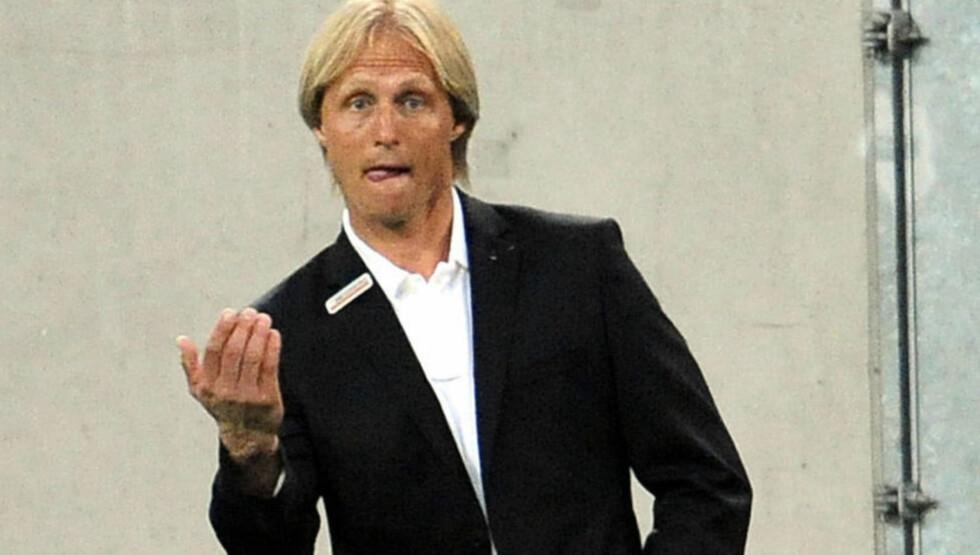 VAR IKKE OMBORD: Jørn Andersen, her som Mainz-trener, tror han bare må venne seg til krakilske fans. Foto: AFP/DDP/ TORSTEN SILZ